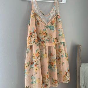 ➡️NEW ITEM⬅️ floral blouse